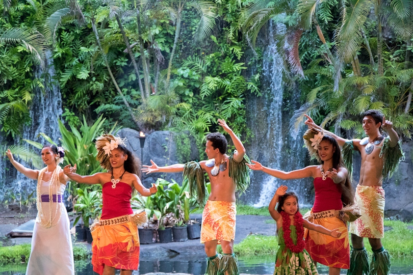 The kids performed hula for us, too