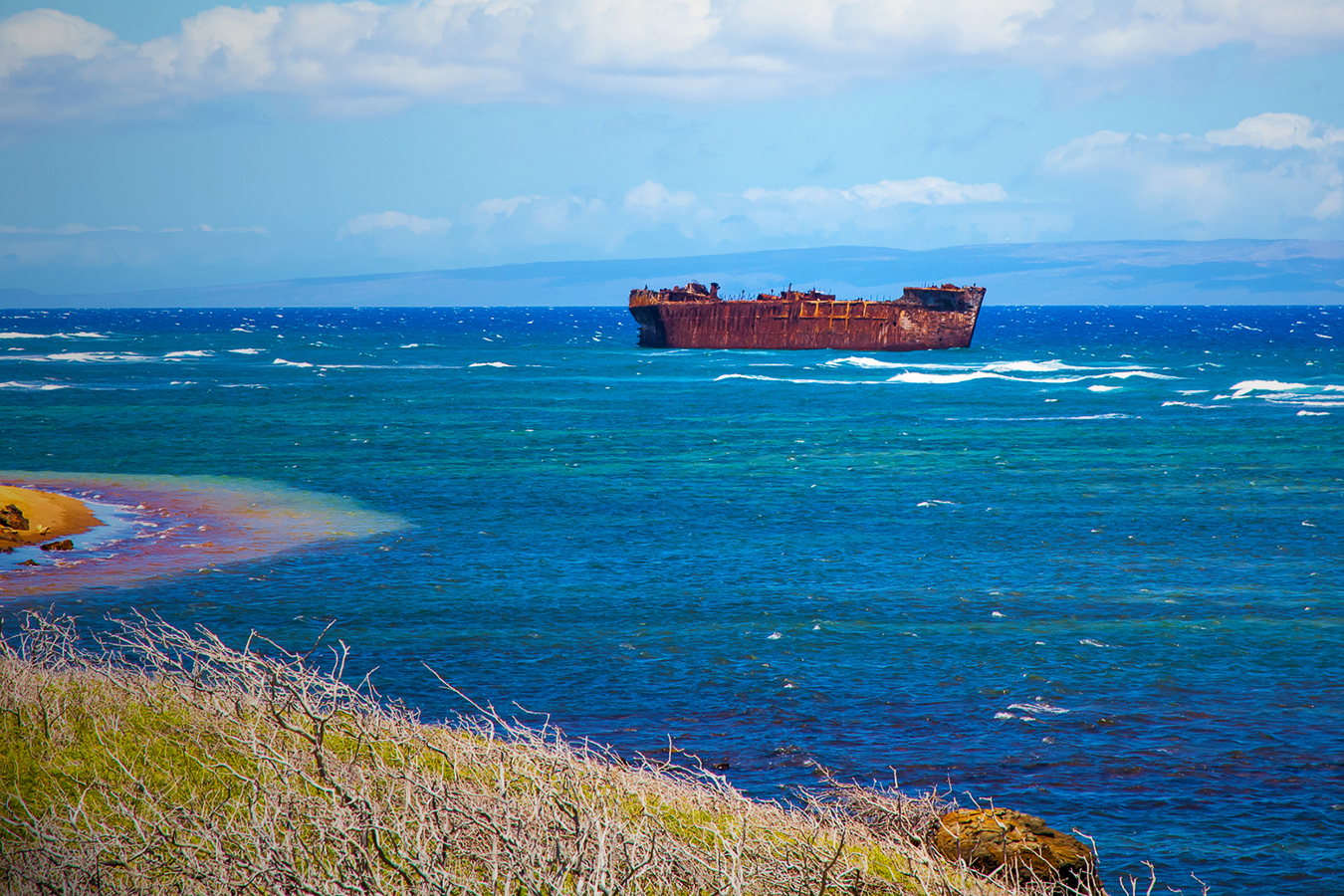 A picture of the shipwreck off the coast of Lanai