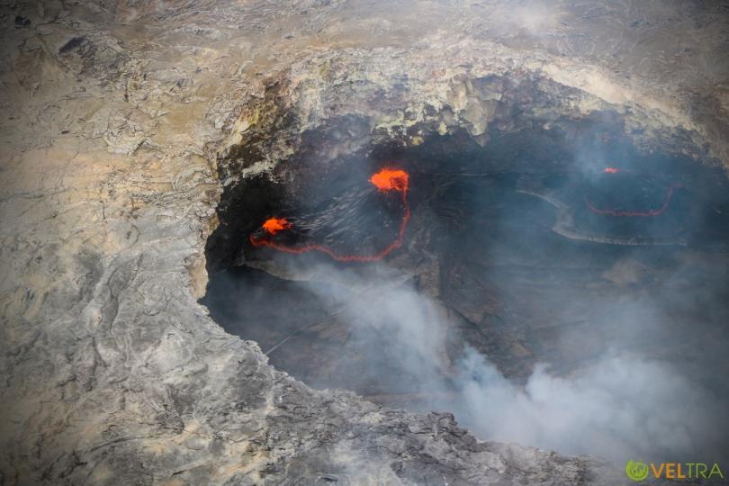 volcano_heli07