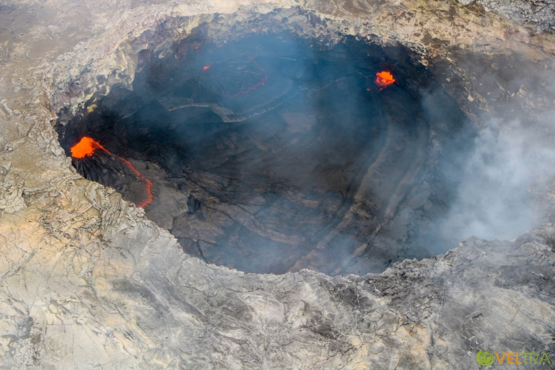 volcano_heli08